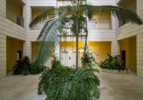 Geula Beach Residence: 1 Bedroom Vacation Rental w/Balcony, Parking