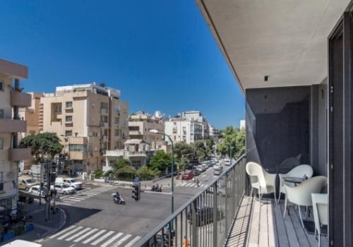 Hilton Sea 2: 2 Rooms Holidays Rental w/Balcony