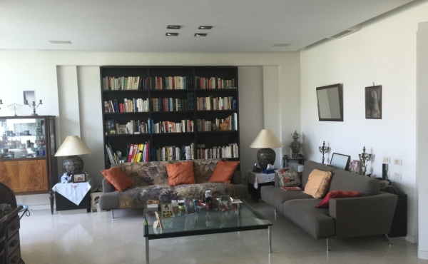 Ben Gurion area 3 room 135m2 Renovated Lift Parking For Sale