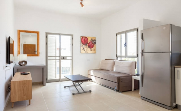 Geula Beach Court 1 bedroom 48sqm Balcony Lift Parking Apartment for vacation rental in Tel Aviv
