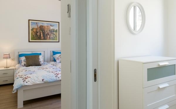 Sheinkin 3 bedrooms 100sqm Elevator Parking Apartment for Holidays rental in Tel Aviv
