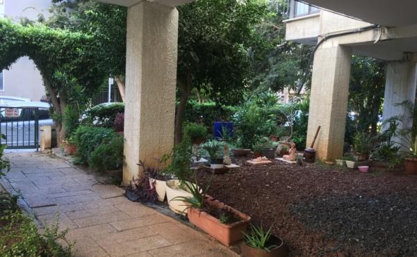 Pinkas area 1 room 51sqm Renovated Quiet Apartment for sale in Tel Aviv