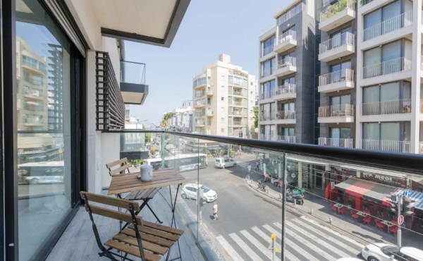Ben Yehuda 3 room 67sqm Balcony with sea view Apartment for sale in Tel Aviv