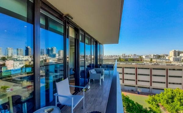 Hagymnasia tower 3 room 106sqm Balcony 16sqm Elevator Parking Gym Pool Spa Guard Apartment for sale in Tel Aviv