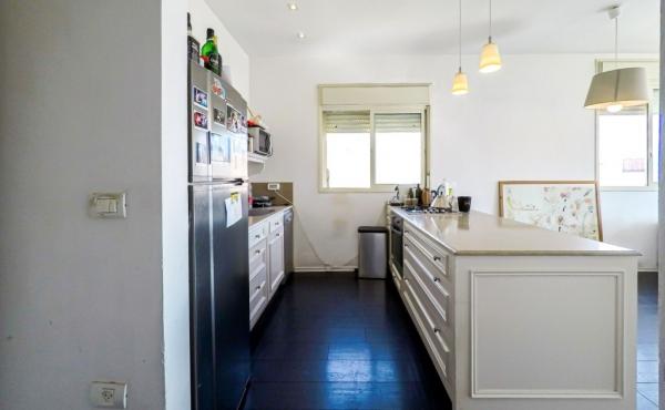 Nordau area 3 room 65sqm Elevator Quiet Apartment for sale in Telaviv