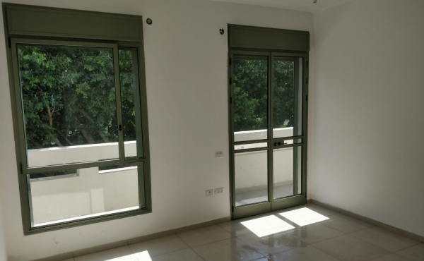 Balfour area 3 room 50sqm Balcony 13sqm Lift Apartment to buy in Tel Aviv