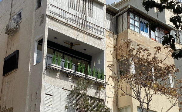 Ben Yehuda area 3 room 67sqm Renovated high level Balcony Apartment for sale in Tel Aviv