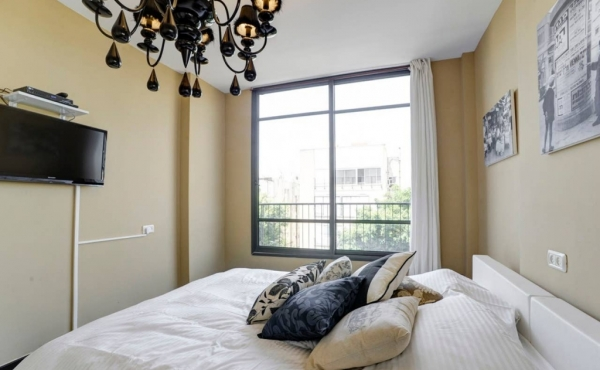 Dizengoff area 3 bedrooms Elevator Parking Apartment for sale in Tel Aviv