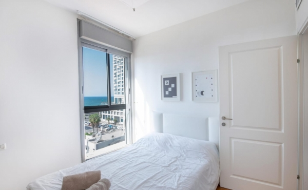 Kerem Hatemanim Duplex 4 room 115sqm Terrace 60sqm Sea view Lift Parking Apartment for sale in Tel Aviv