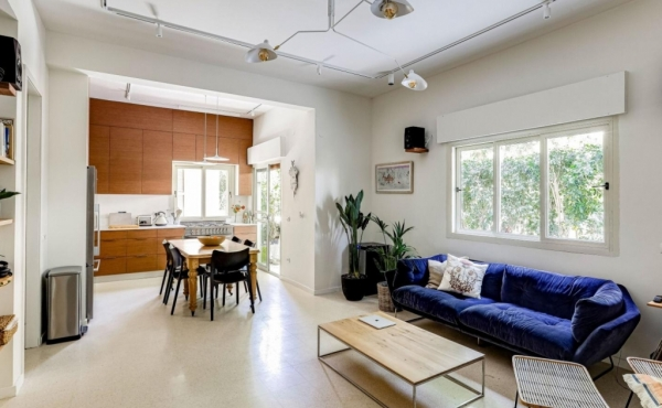 Rothschild area 4 room 93sqm Garden 40sqm High ceilings Apartment for sale in Tel Aviv
