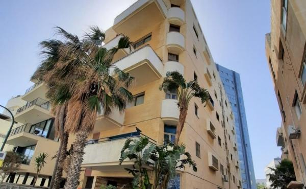 Bograshov area 5 room 110sqm Balcony Elevators Parking Apartment for sale in Tel Aviv