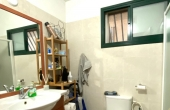 Gordon area 3 room renovated with safe room Lift Apartment for sale in Tel Aviv