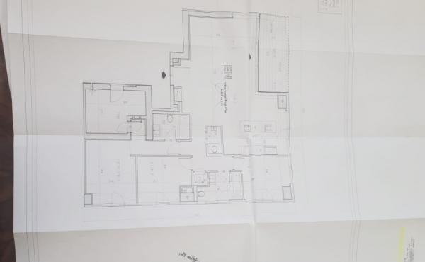 Arlozorov 4.5 room 143sqm Balcony Parkingx3 Gym club Swimming Pool Doorman Luxury Apartment for sale in Tel Aviv