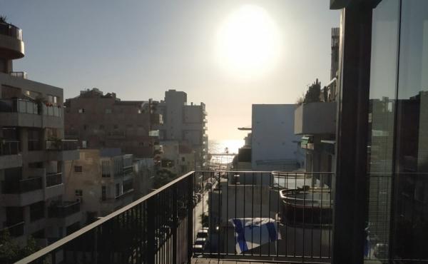 Kerem Hatemanim 4 room 118sqm Balcony Elevator Parking Apartment for sale in Tel Aviv