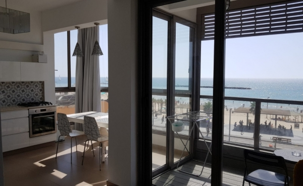 Hayarkon 3 room Terrace with sea view Renovated Parking Apartment for sale in Tel Aviv