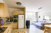 Rothschild area 4 room 90sqm Elevator Apartment for sale in Tel Aviv