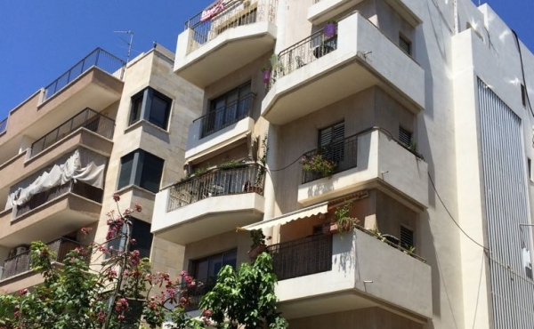 WhatsApp Image 2017-10-19 at Neve Tzedek area 2.5 room Renovated 63sqm Balcony Lift Parking Property to buy in Telaviv