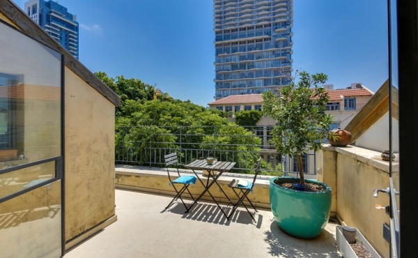 Neve Tzedek area Duplex 220sqm Terrace 40sqm Apartment for rent in Telaviv