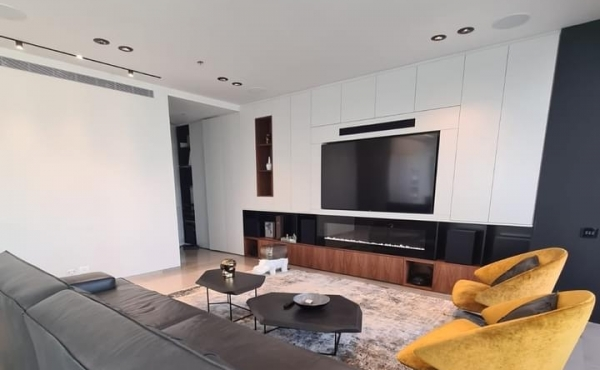 Rothschild 4.5 room 175sqm Terrace 15sqm Lift Parking Apartment for sale in Telaviv