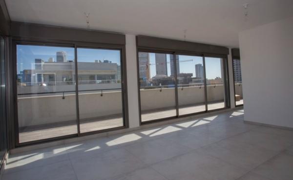 Kerem Hatemanim 4 room Penthouse in a new building Parking Lift Apartment for sale in Tel Aviv