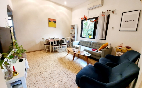 In the old north near the sea 2 room 55sqm Balcony Apartment for sale in Tel Aviv