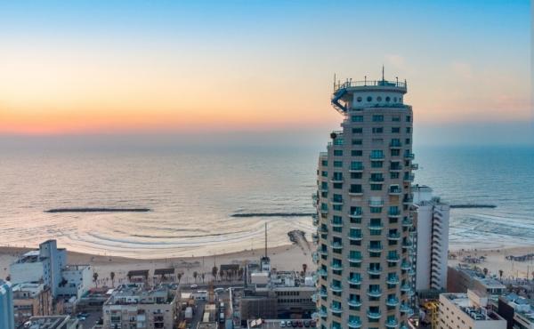 Isrotel 3 room 98sqm Balcony Lift Parking Pool Gym Doorman Apartment for sale in Tel Aviv