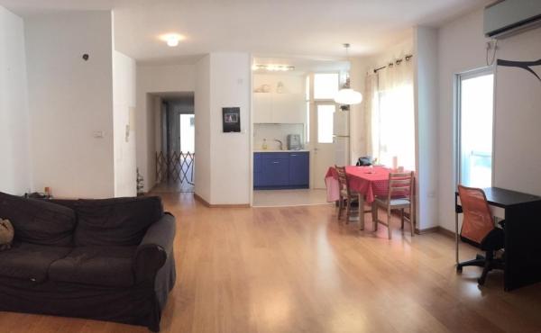 Ibn Gvirol area 4 room 105 sqm Elevator Parking Apartment for sale in Tel Aviv