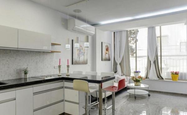 Ben Yehuda 3 room 76sqm renovated Elevator Apartment for sale in Tel Aviv