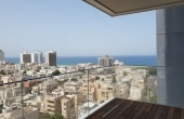 Ben Gurion area 4.5 room 150sqm Balcony 14sqm Elevator Parking Apartment for sale in Tel Aviv